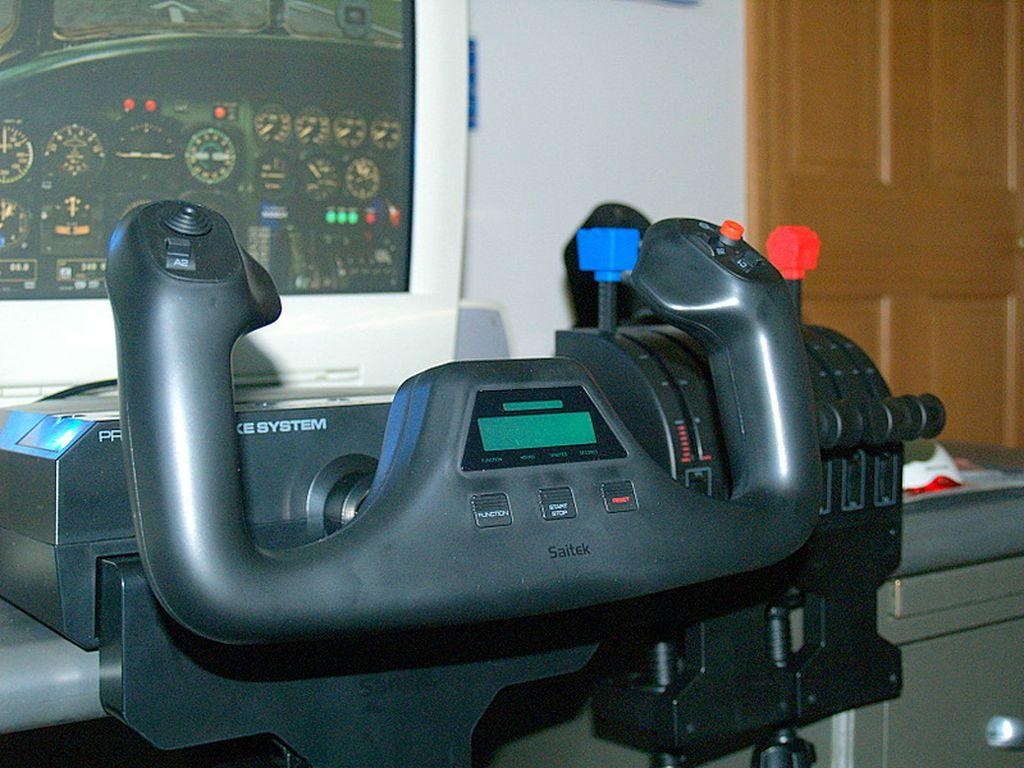 Saitek Pro Flight Yoke and Throttle Quadrant
