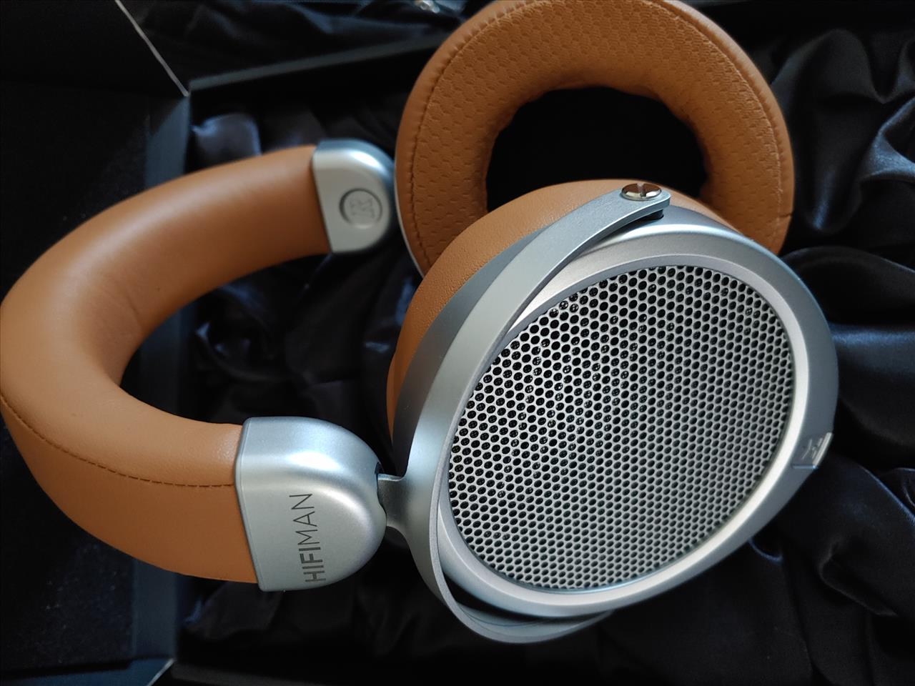 HIFIMAN DEVA Headphones Review – It Ain't Over Til the DEVA Sings