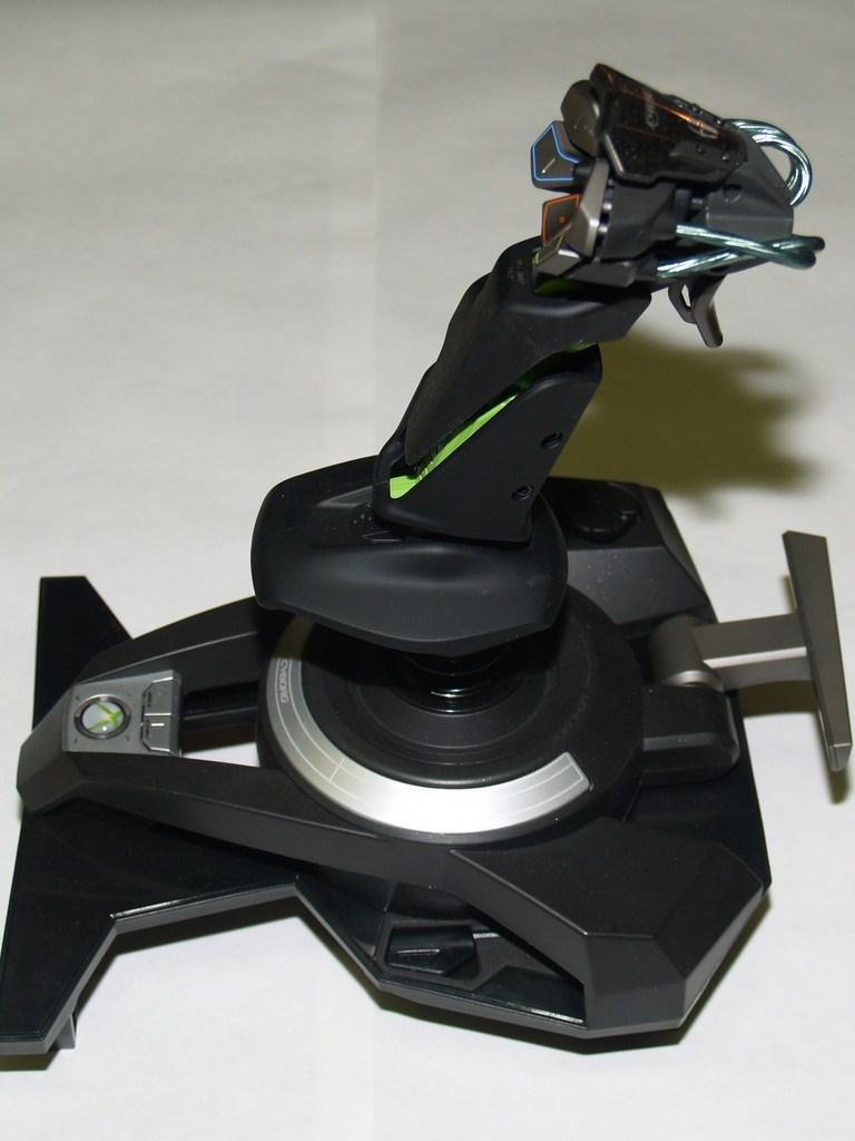Mad Catz Cyborg F.L.Y. 9 Wireless Flight Stick