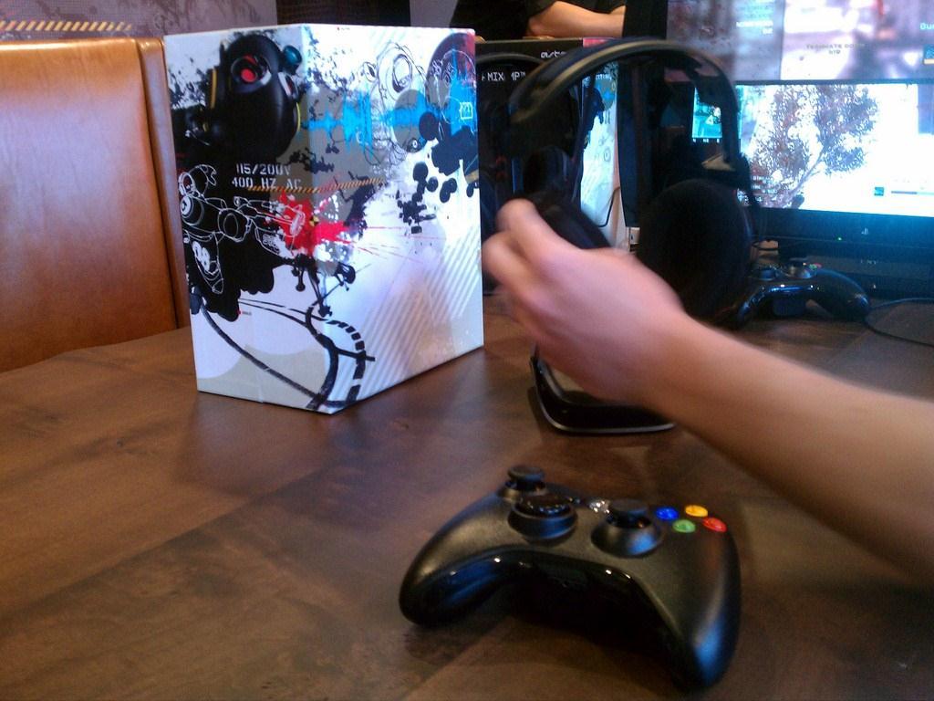 E3 2012: Astro A50 (hands on) - Gaming Nexus